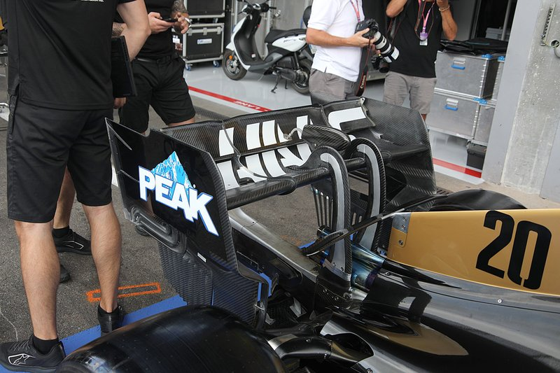 Detalle del alerón trasero del Haas F1 Team VF-19