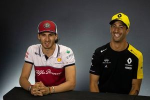 Antonio Giovinazzi, Alfa Romeo Racing and Daniel Ricciardo, Renault F1 Team In the Press Conference