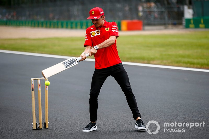 Charles Leclerc, Ferrari plays cricket