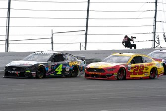 Kevin Harvick, Stewart-Haas Racing, Ford Mustang Busch Beer Gen X, Joey Logano, Team Penske, Ford Mustang Shell Pennzoil