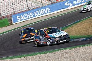 Adam Rzepecki, Renault Clio IV Cup
