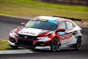 Nestor Girolami, Wall Racing Honda Civic Type R TCR