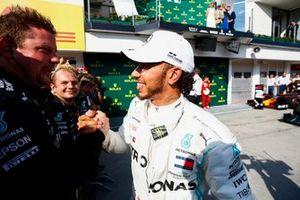 Lewis Hamilton, Mercedes AMG F1, 1e positie, in Parc Ferme