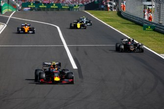 Pierre Gasly, Red Bull Racing RB15, leads Kevin Magnussen, Haas F1 Team VF-19, Lando Norris, McLaren MCL34, Daniel Ricciardo, Renault F1 Team R.S.19, and Valtteri Bottas, Mercedes AMG W10