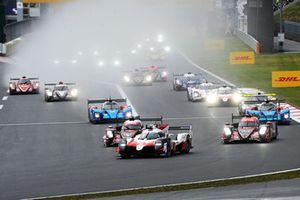 #8 Toyota Gazoo Racing Toyota TS050: Sebastien Buemi, Kazuki Nakajima, Fernando Alonso, en tête au départ