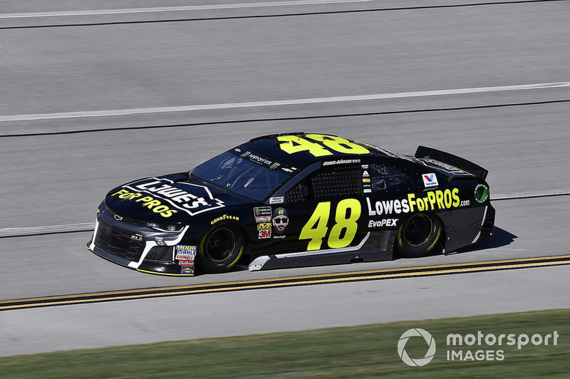 6. Jimmie Johnson, Hendrick Motorsports, Chevrolet Camaro Lowe's for Pros