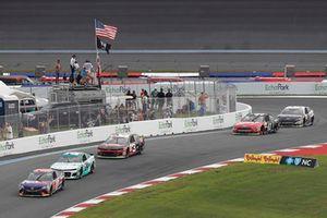 Denny Hamlin, Joe Gibbs Racing, Toyota Camry FedEx Freight William Byron, Hendrick Motorsports, Chevrolet Camaro Unifirst