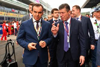 Dmitry Kozak, premier ministre de la Russie, sur la grille
