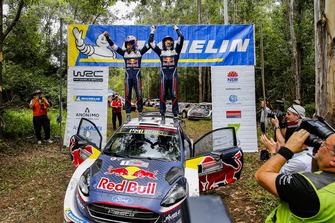 Les Champions WRC 2018 Sébastien Ogier, Julien Ingrassia, Ford Fiesta WRC, M-Sport Ford, avec Malcolm Wilson