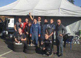 Колективне фото SportCarService - святкування 3-го місця на Фіналі та 2-го в Чемпіонаті