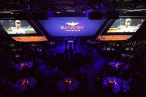 Le Champion du monde de F1 Lewis Hamilton envoie un message vidéo pour recevoir ses prix de pilote britannique de l'année et pilote international de l'année