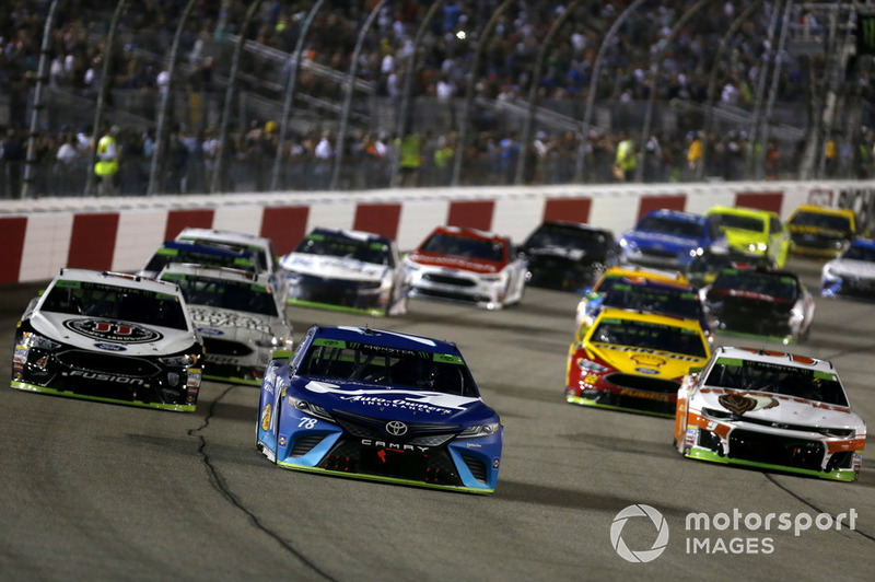 Martin Truex Jr., Furniture Row Racing, Toyota Camry, Kevin Harvick, Stewart-Haas Racing, Ford Fusion