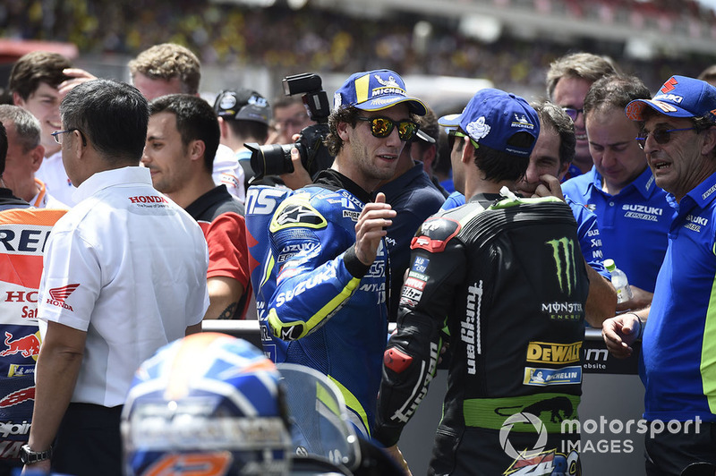 Segundo clasificado Alex Rins, Team Suzuki MotoGP, tercer clasificado Johann Zarco, Monster Yamaha Tech 3