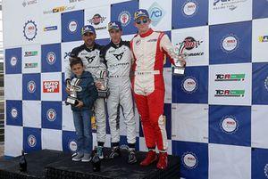Podio TCR-DSG Gara 2: Matteo Greco, Massimiliano Gagliano, Alessandro Thellung