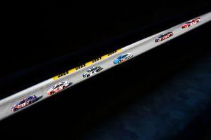 Denny Hamlin, Joe Gibbs Racing, Toyota Camry FedEx Express e Brad Keselowski, Team Penske, Ford Fusion Wurth