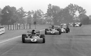 Джеки Стюарт, Tyrrell 003, Франсуа Север, Tyrrell 002, и Денни Халм, McLaren M19A