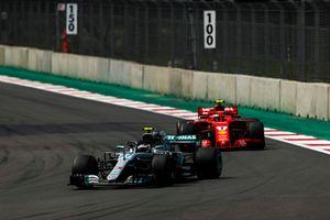 Valtteri Bottas, Mercedes AMG F1 W09 EQ Power+, Kimi Raikkonen, Ferrari SF71H