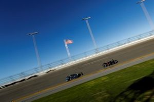#86 Meyer Shank Racing w/ Curb-Agajanian Acura NSX GT3, GTD: Mario Farnbacher, Trent Hindman, Justin Marks, AJ Allmendinger, #7 Acura Team Penske Acura DPi, DPi: Helio Castroneves, Ricky Taylor, Alexander Rossi