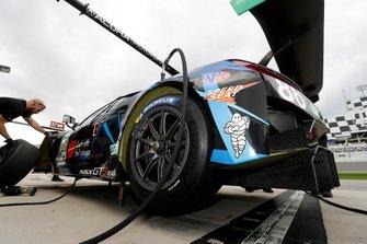 #86 Meyer Shank Racing w/ Curb-Agajanian Acura NSX GT3, GTD: Mario Farnbacher, Trent Hindman, Justin Marks, AJ Allmendinger, Michelin