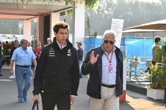 Toto Wolff, Mercedes AMG Director de F1 de Motorsport y Lawrence Stroll, Propietario del equipo F1 de Racing Point Force India