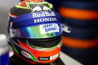 Un message fêtant l'anniversaire de Brendon Hartley, Toro Rosso