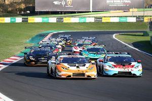 #211 Clazzio Racing: Kei Cozzolino, Afiq Yazid startta lider