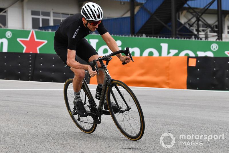 Robert Kubica, Williams en bici por el circuito