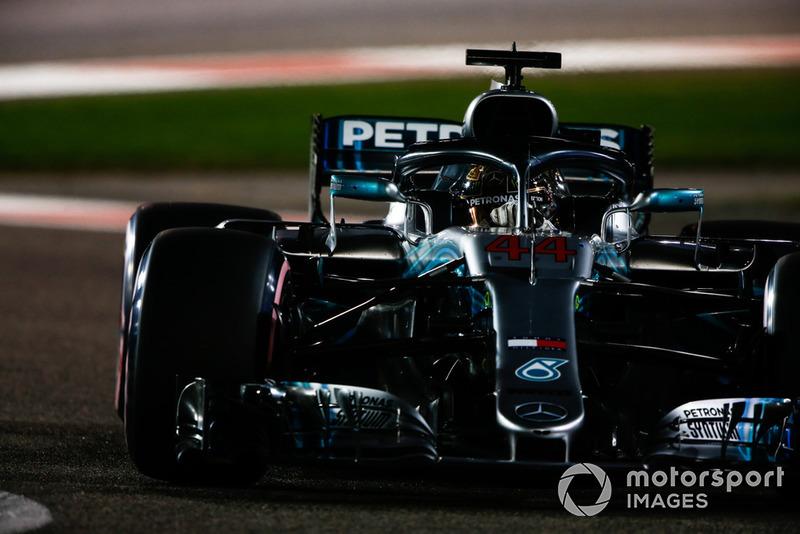 1: Льюис Хэмилтон, Mercedes AMG F1 W09 – 1:34.794