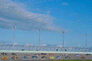 Joey Logano, Team Penske, Ford Fusion Shell Pennzoil and Ryan Newman, Richard Childress Racing, Chevrolet Camaro E-Z-GO