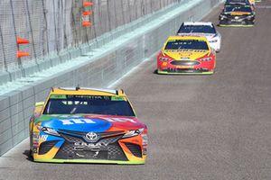 Kyle Busch, Joe Gibbs Racing, Toyota Camry M&M's, Joey Logano, Team Penske, Ford Fusion Shell Pennzoil, Brad Keselowski, Team Penske, Ford Fusion Discount Tire