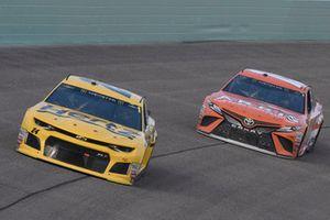 William Byron, Hendrick Motorsports, Chevrolet Camaro Hertz, Daniel Suarez, Joe Gibbs Racing, Toyota Camry ARRIS