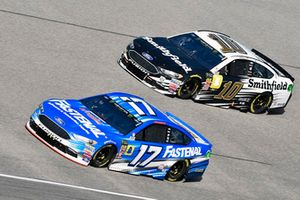Ricky Stenhouse Jr., Roush Fenway Racing, Ford Fusion Fastenal and Aric Almirola, Stewart-Haas Racing, Ford Fusion Smithfield