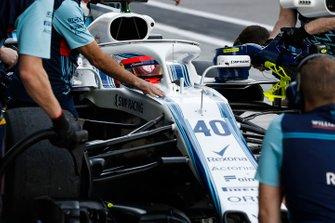 Robert Kubica, Williams FW41, stops in his pit area
