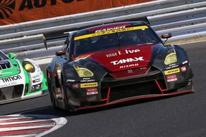 #11 GAINER TANAX GT-R