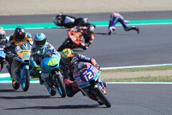 Marco Bezzecchi, Prustel GP leads, Fabio Di Giannantonio, Del Conca Gresini Racing Moto3 chute
