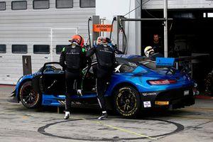Pit stop, #6 BLACK FALCON Mercedes-AMG GT3: Hubert Haupt, Luca Stolz