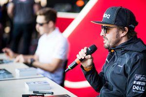 Fernando Alonso, McLaren parle aux médias