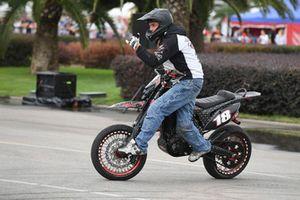 Des cascades à moto