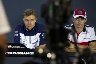 Sergey Sirotkin, Williams Racing ve Charles Leclerc, Sauber basın toplantısı