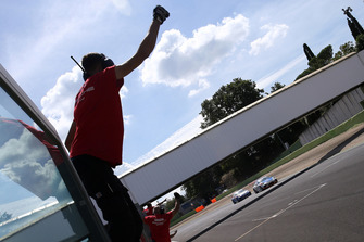 Gli ingegneri Ghinzani Arco Motorsport festeggiano la vittoria di Riccardo Cazzaniga, Ghinzani Arco Motorsport