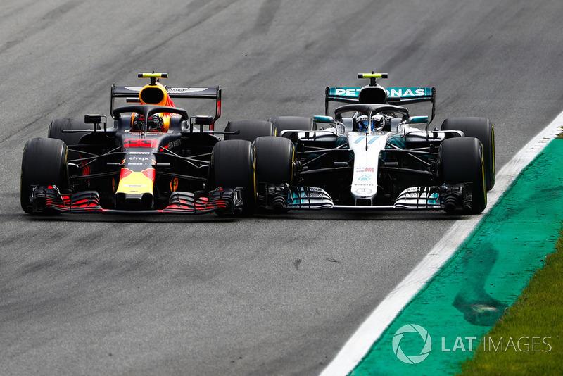 Max Verstappen, Red Bull Racing RB14 Tag Heuer y Valtteri Bottas, Mercedes AMG F1 W09