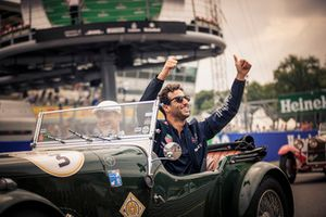 Daniel Ricciardo, Red Bull Racing on drivers parade