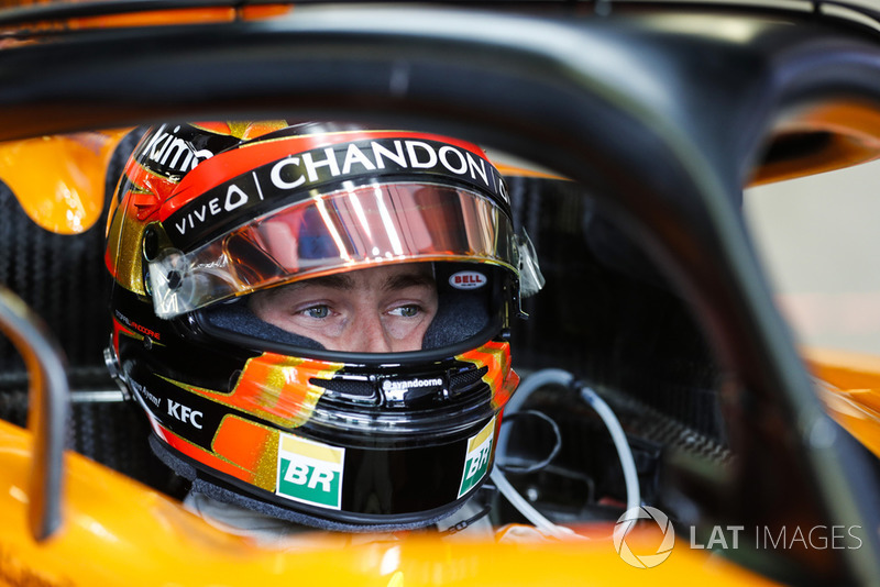 Stoffel Vandoorne, McLaren, in his cockpit