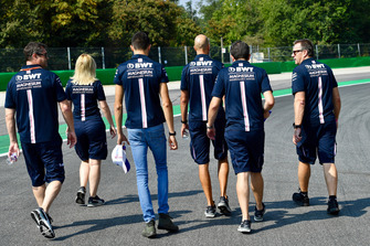 Esteban Ocon, Racing Point Force India F1 Team and his engineers on the track walk