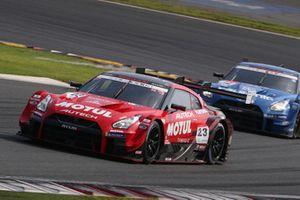 #23 Nismo Nissan GT-R Nismo GT3: Tsugio Matsuda, Ronnie Quintarelli leads #12 Team Impul Nissan GT-R Nismo GT3: Jann Mardenborough, Daiki Sasaki.