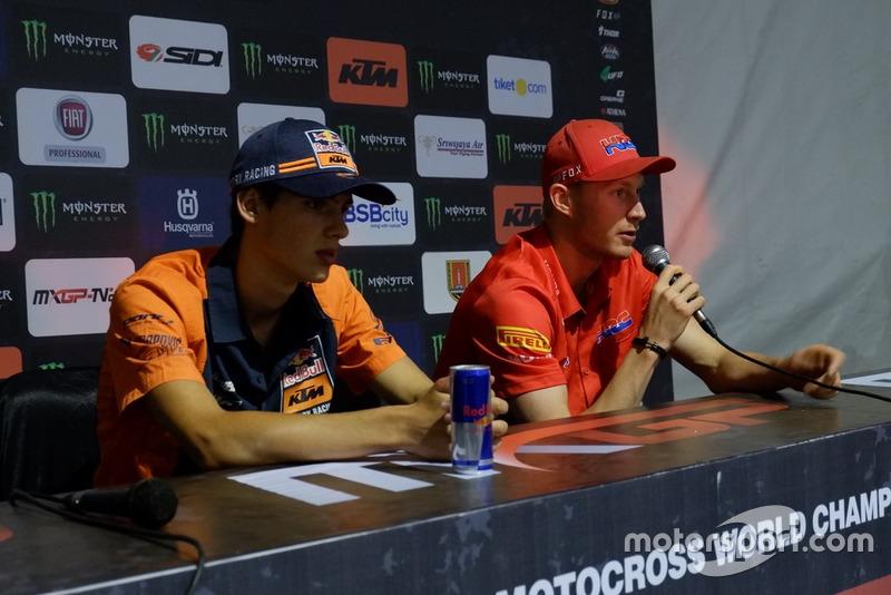 Rueda de prensa MX2: Jorge Prado KTM Factory Racing y Calvin Vlaanderen, Team HRc