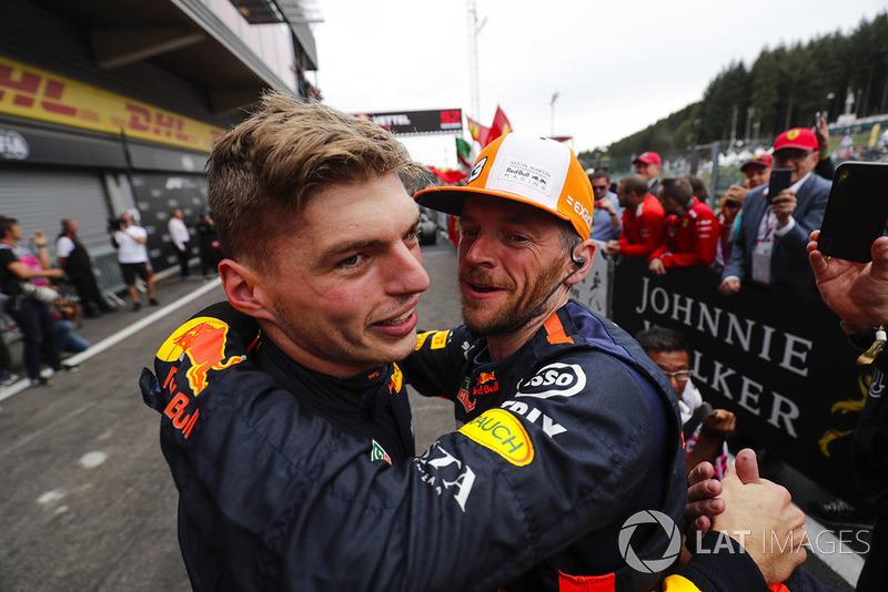 Max Verstappen, Red Bull Racing, celebra el tercer puesto en el parque cerrado