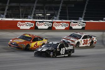 Jimmie Johnson, Hendrick Motorsports, Chevrolet Camaro Lowe's Throwback Matt Kenseth, Roush Fenway Racing, Ford Fusion Oscar Mayer