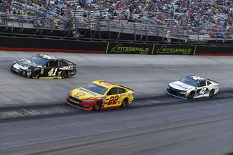 Joey Logano, Team Penske, Ford Fusion Shell Pennzoil, Kurt Busch, Stewart-Haas Racing, Ford Fusion Monster Energy / Haas Automation, and Kyle Larson, Chip Ganassi Racing, Chevrolet Camaro DC Solar