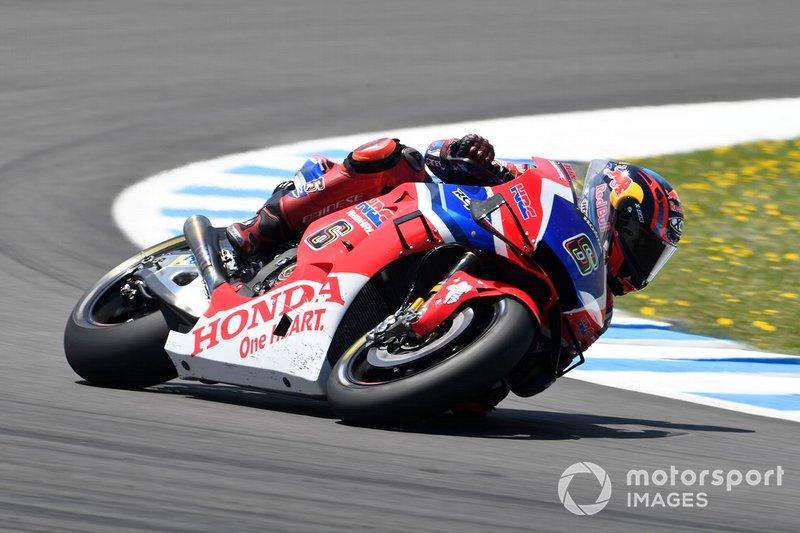 Штефан Брадль пересекл финишную черту в 13,402 секунды следом за Маркесом. Это новый рекорд по плотности топ-10 в гонках MotoGP в Хересе. В прошлом минимальное отставание десятого гонщика от победителя составляло 19,405 секунды